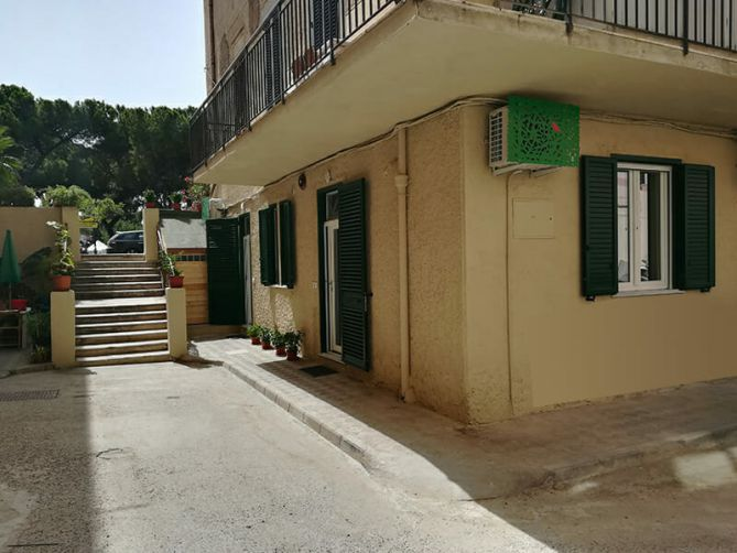 where we are guest house via marina reggio calabria affittacamere bed & breakfast parcheggio corte condominiale parking