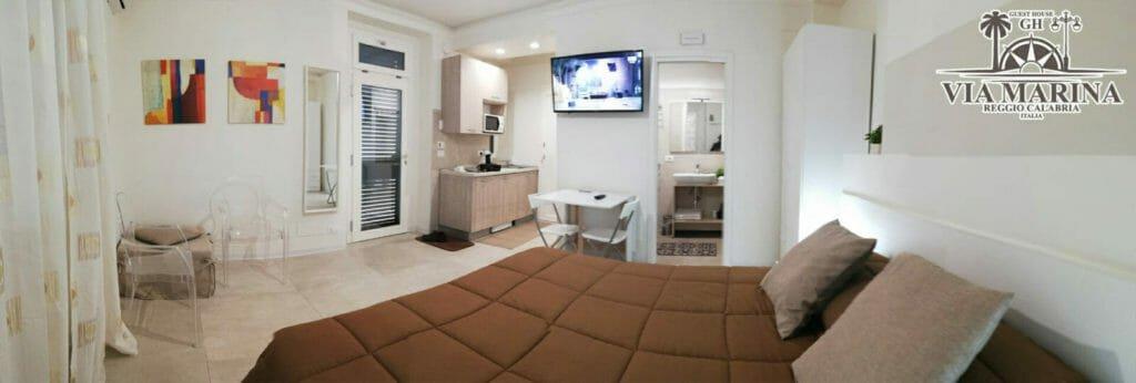 Camera monolocale con angolo cottura della Guest House Via Marina B&B Reggio Calabria centro