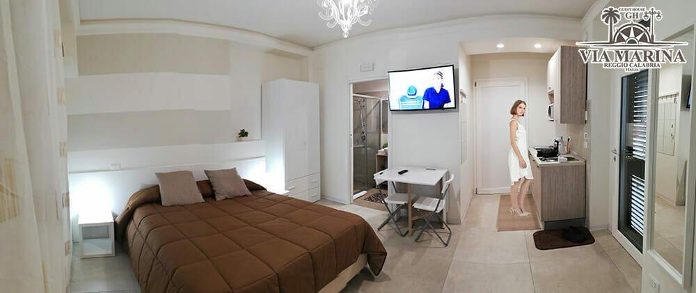 camera autonoma privacy con angolo cottura della Guest House Via Marina B&B Reggio Calabria centro